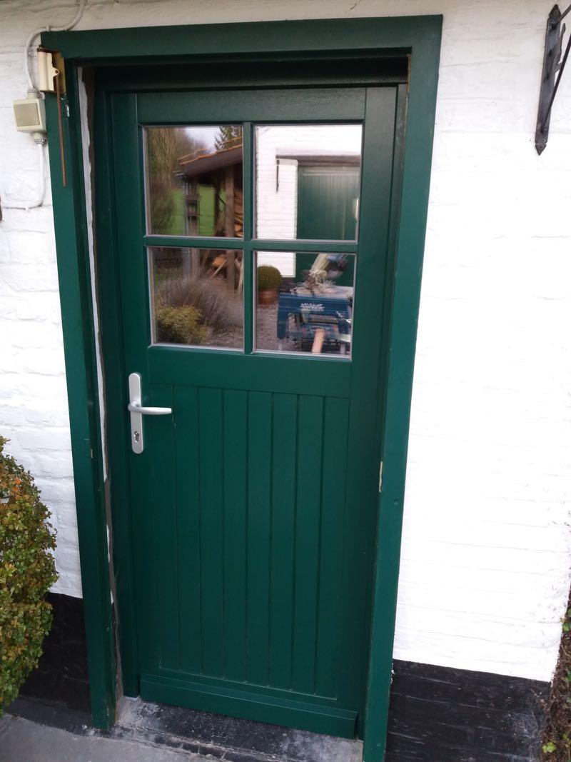 remplacement d'une porte en bois